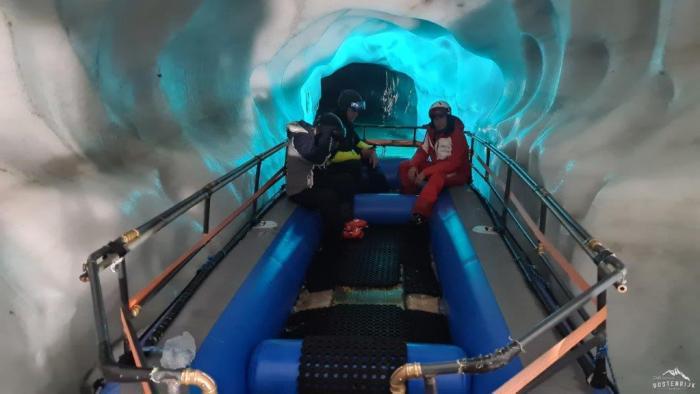 Hintertuxer Gletsjer IJsgrot Boot