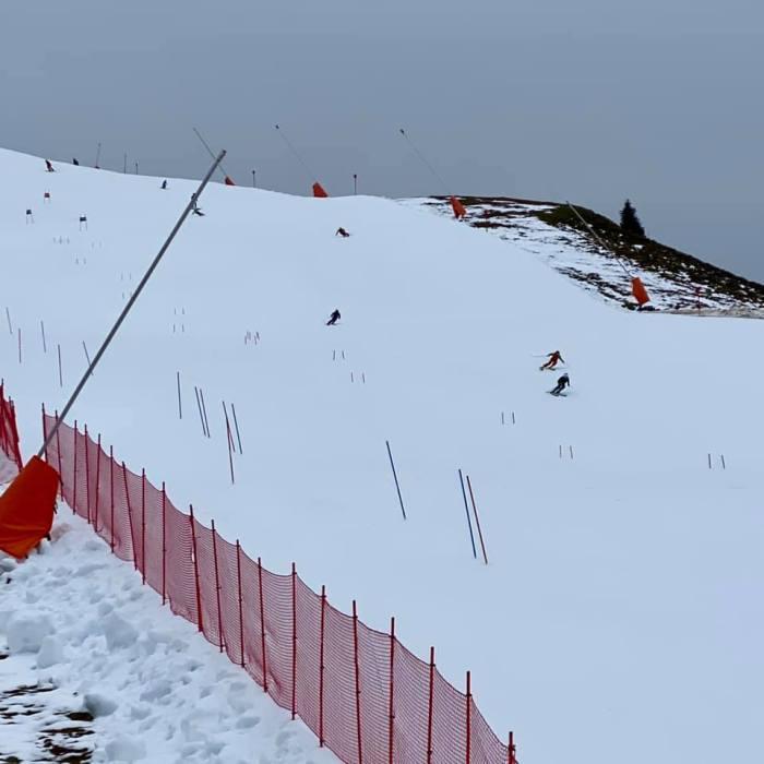 Kitzbühel Resterhöhe de 1e skidag 24 oktober 2020