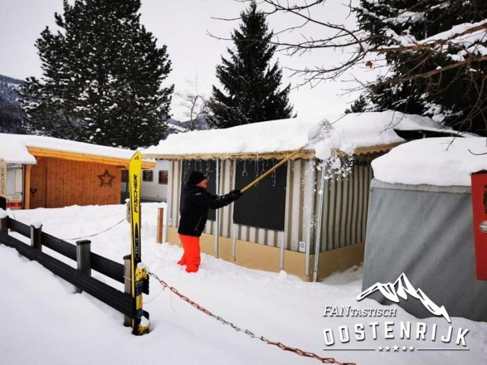 CampingWelt Dak sneeuwvrij maken