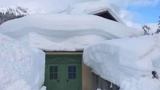 Grote problemen door zware sneeuwval en einde nog niet in zicht