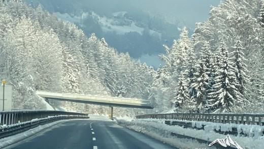 Autobahn besneeuwd