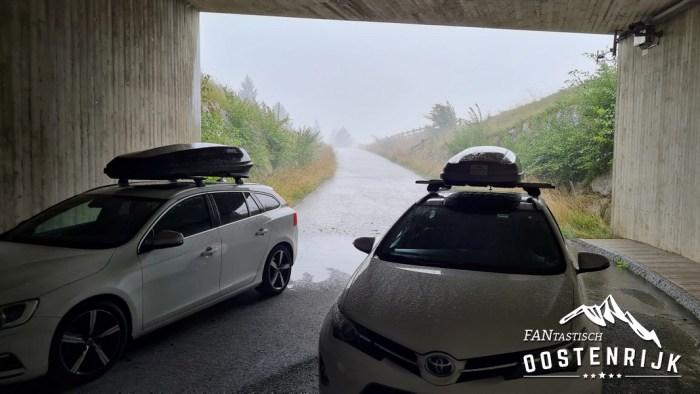 Brixental Hagelbui 30 juli 2021 de auto's veilig weggezet