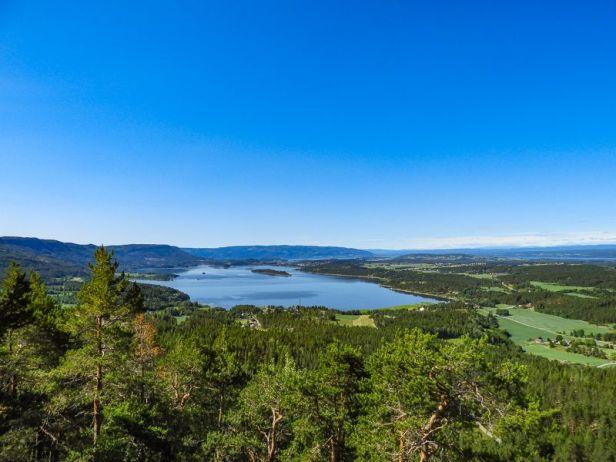 Utsikten fra Tiurtoppen over Steinsfjorden og Sundvollen - Oslomarka - Krokskogen - Fantastiske marka