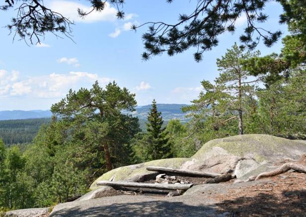 Utsikt fra Breimåseåsen i Kjekstadmarka - Verkensmåsan - Oslomarka - Fantastiske marka