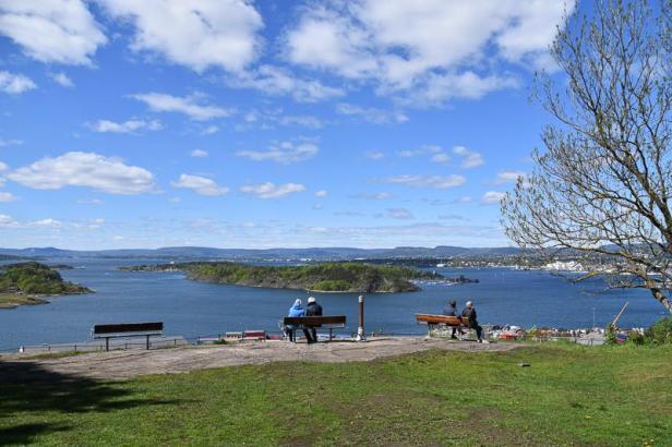 Utsiktspunktet i Ekebergskråningen har vakker utsikt mot Oslo og indre Oslofjord - Topper - Utsikt - Oslo - Fantastiske marka