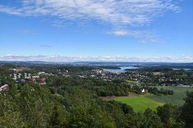 Tokerudutsikten på Tanumplatået - Utsikt - Toppturer - Bærum - Oslomarka - Fantastiske marka