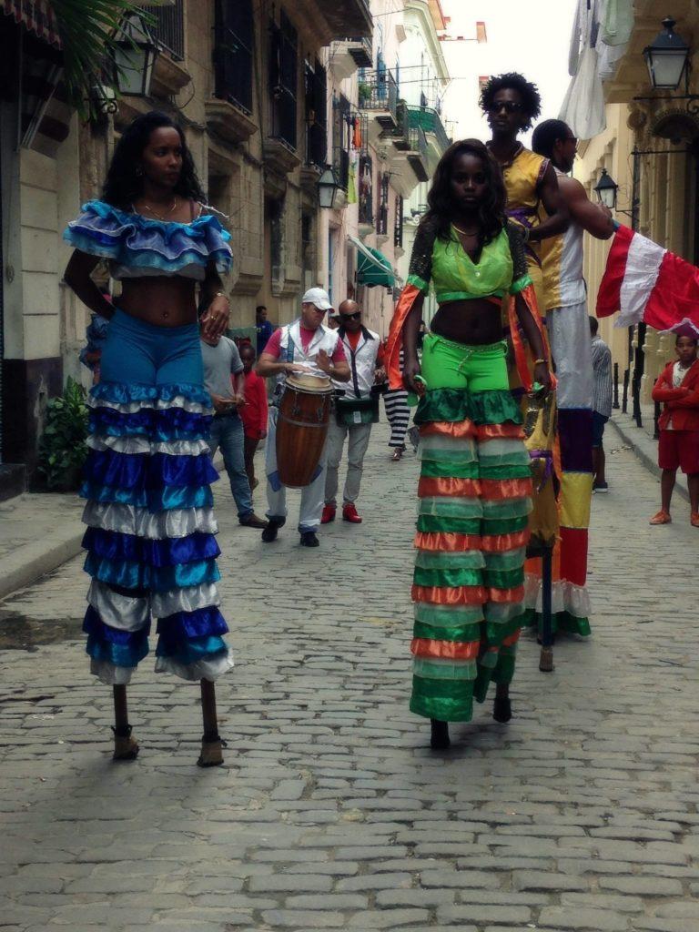 Havana locals dancing