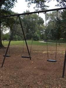 Fantasy Aisle, Empty swings await