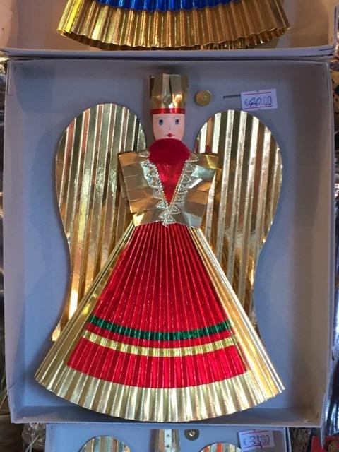 Fantasy Aisle, The gold foil armless angel, the signature of Nuremberg