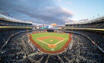 Mariners Trade Edwin Encarnacion to Yankees