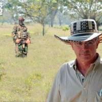 Uribe contempla independizar El Ubérrimo de Colombia para ser otra vez presidente.
