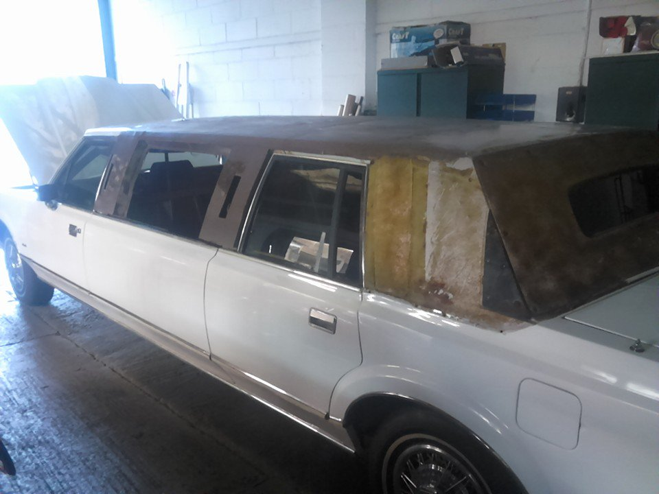 1989 Lincoln Town Car Limousine