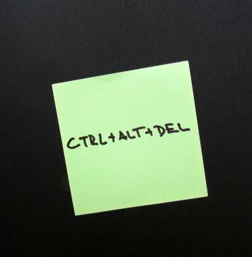 ctrl alt del on sticky note