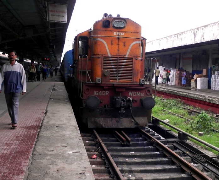 Train stopped at an India station