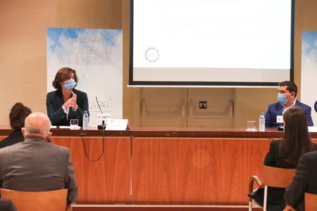 En la mesa de debate han participado como ponentes Carmen Morenés, directora general de Fundación Telefónica; Fernando Trujillo (vía streaming), experto en Innovación Educativa; y Diego Fernández, trabajador con discapacidad intelectual y usuario del Programa de Vida Independiente de Fundación A LA PAR