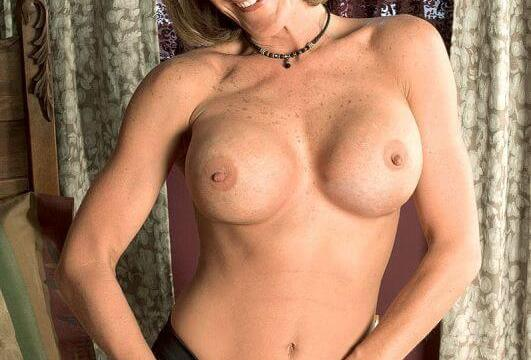 naughty milf for this amazing categorie