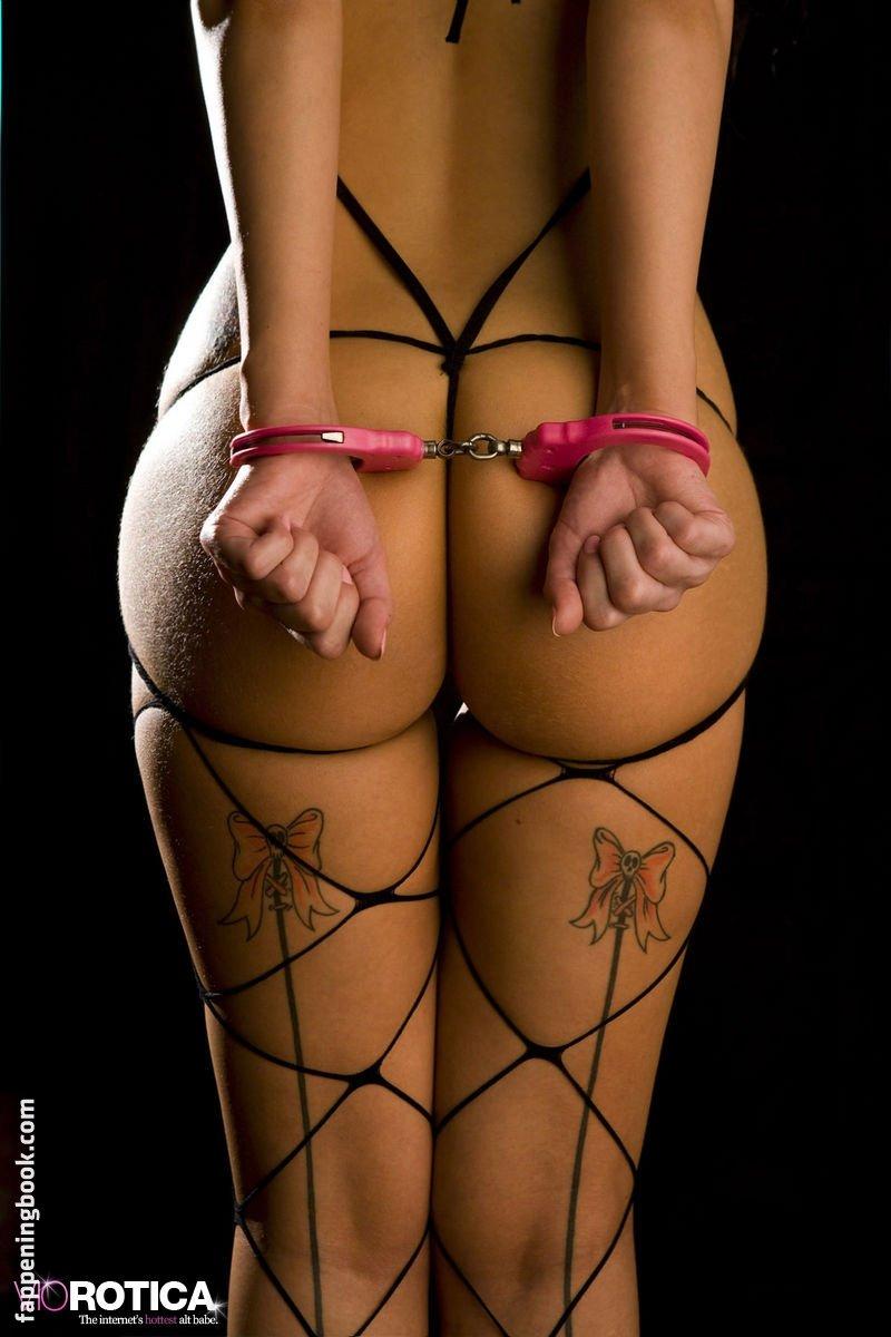 Viorotica Nude