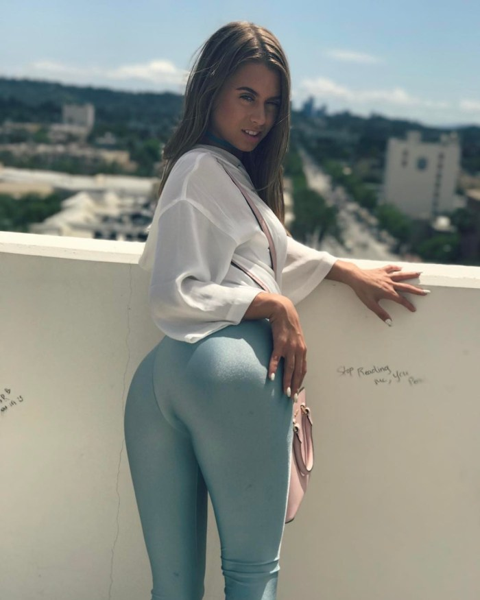 Jill Kassidy blue yoga pants