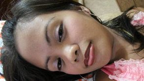 Filipina handjob and facial from white tourist