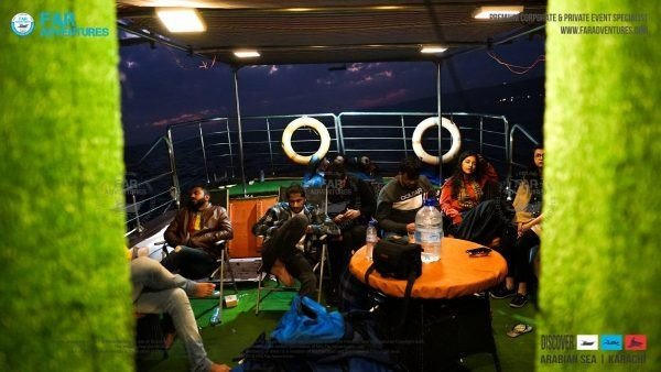 Rent Air Conditioned Cruise & Party Boat