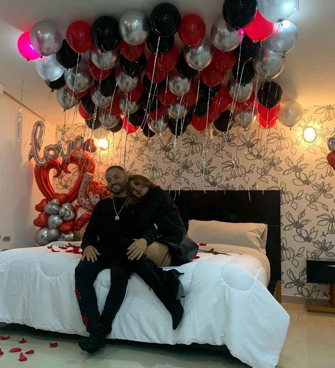 habitación de Nacho y Melany Mille decorada el 14 de febrero 2