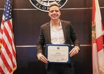 Marko recibe reconocimiento del alcalde de Ciudad Doral