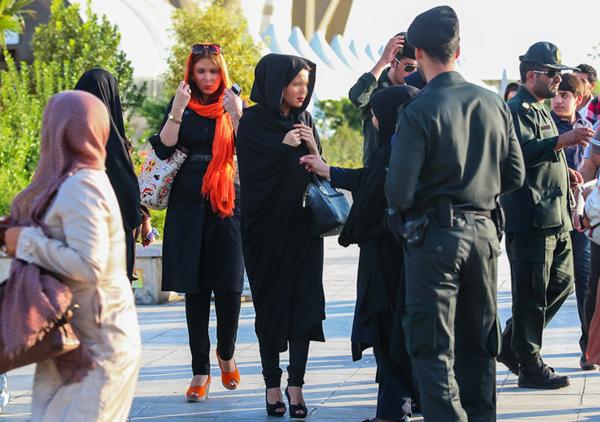 82740 898   تشدید برخورد پلیس با شهروندان تهرانی به دلیل نوع پوشش