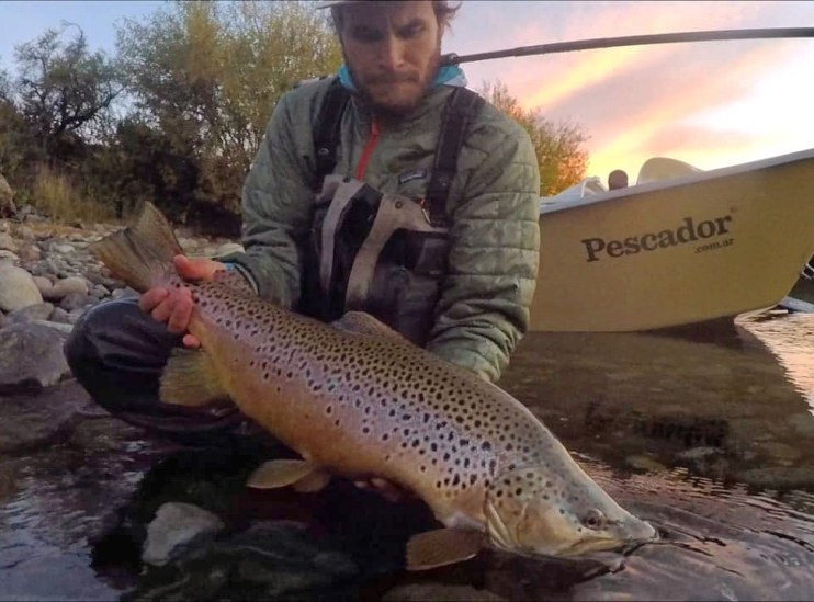 Chris and a Limay River brute