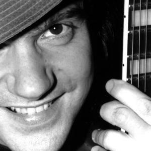 Jazzgitarristen Andy Fite improviserar på Farbror Nikos