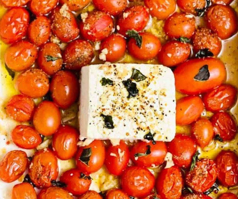 Pasta med fetaost och tomater i ugn