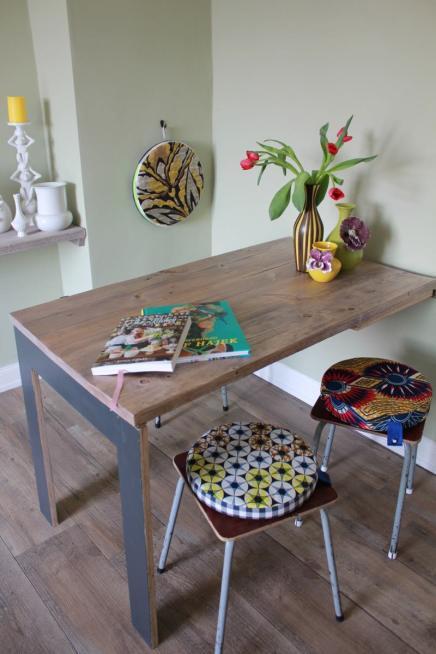 TIsch aus Gerüstbohlen und Sperrholz