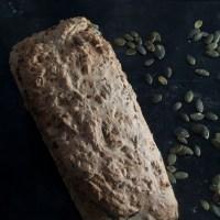 Eltefritt brød med byggmel og havregryn