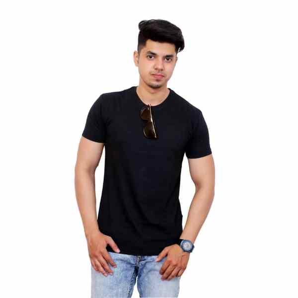 Solid Men Round Neck Black T-Shirt