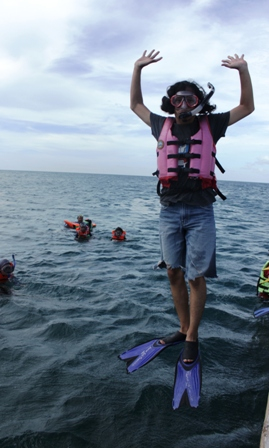terbang dulu sebelum snorkeling