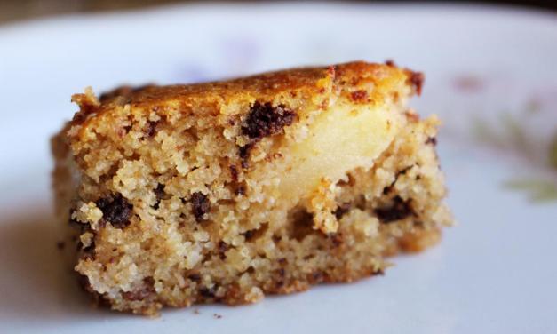 Torta con farina di quinoa cioccolato e mele