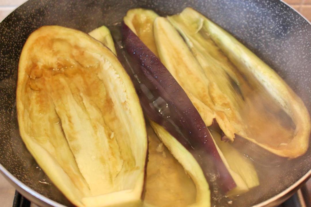 barchette di melanzane ripiene