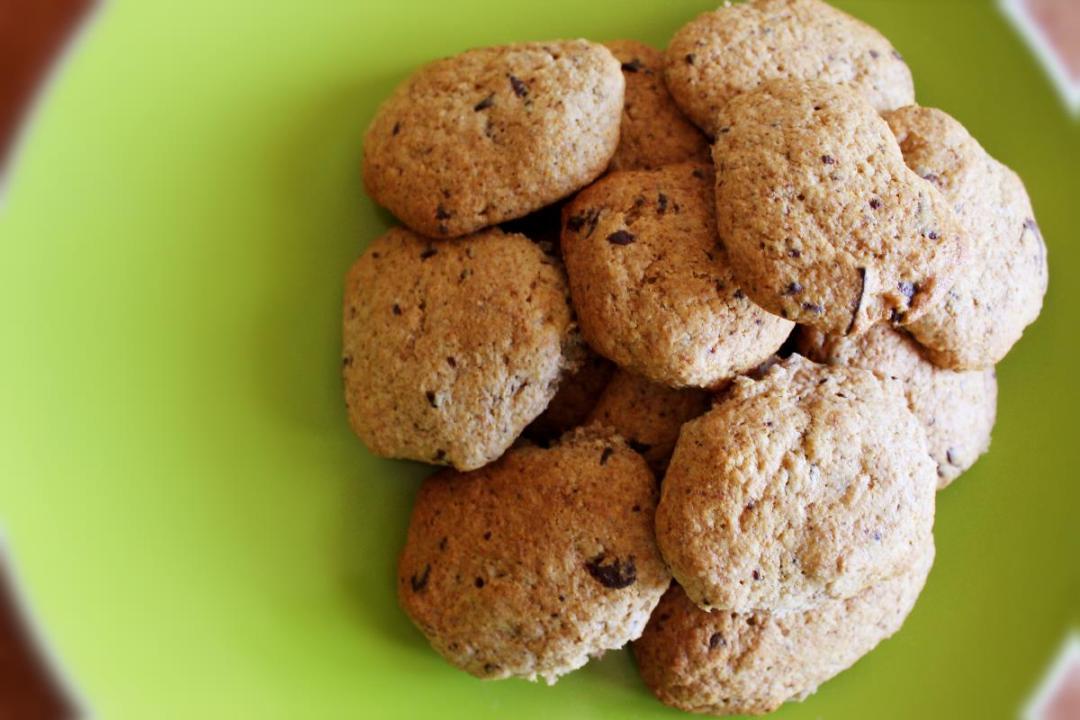 Biscotti con farina di farro e ricotta