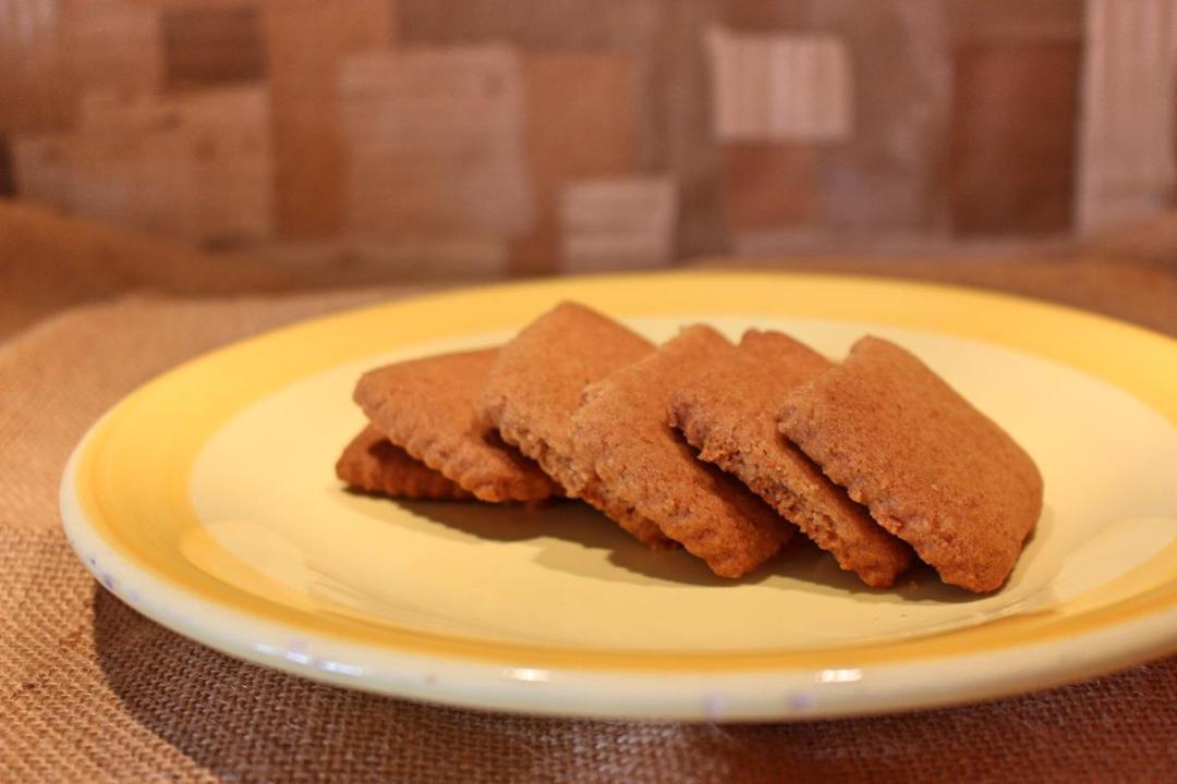 Biscotti zenzero cannella e miele con farina di riso