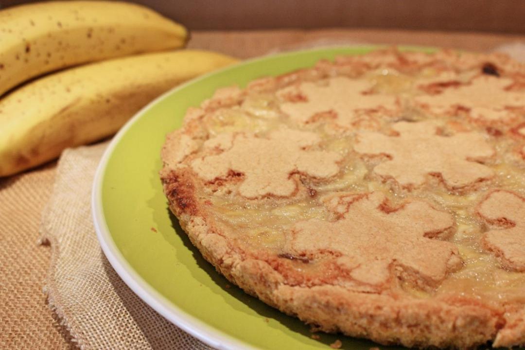 Crostata con farina di avena e banane