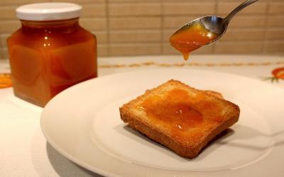 Confettura di albicocche ricetta classica