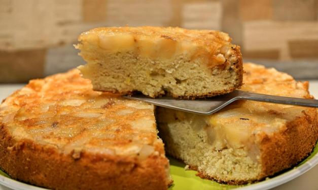 Torta di pere rovesciata, dolce delicato e soffice