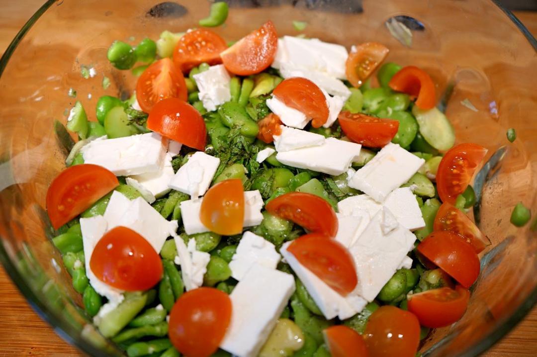 insalata di fave fresche