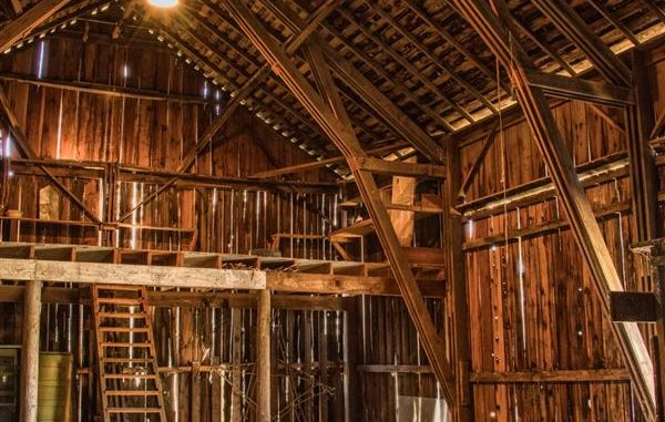 The Century Old Barn Beavercreek Farm Amp Conservation