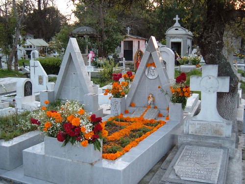 Day of the Dead, Mexico City cemetery