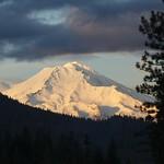 "Mt. Shasta <a style=""margin-left:10px; font-size:0.8em;"" href=""http://www.flickr.com/photos/36521966868@N01/307400148/"" target=""_blank"">@flickr</a>"