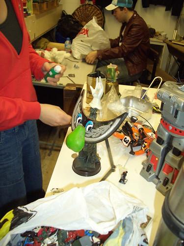 art market robot making fun
