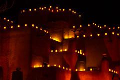 Luminarias, Adobe Architecture