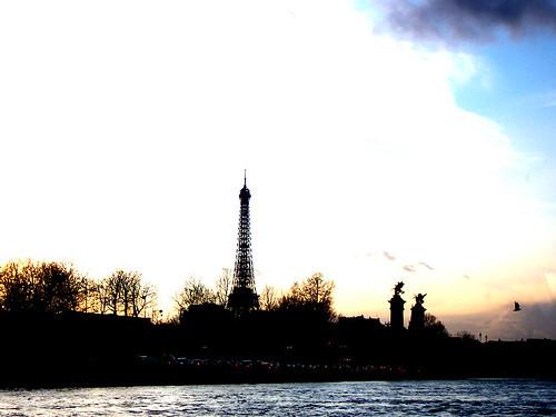 Eiffel tower -photo taken from very far