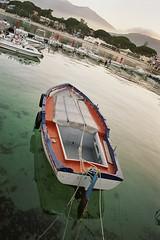 barca sospesa