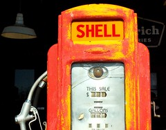 Photo #3000! Antique Shell Gas Pump